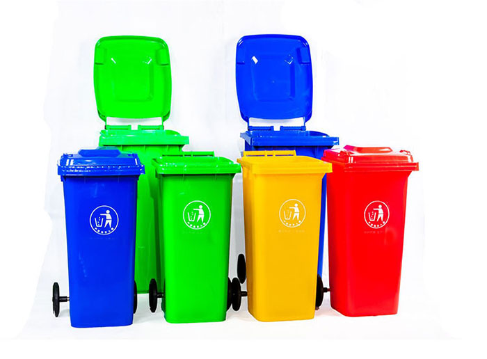 How to Deodorize Plastic Garbage Cans?
