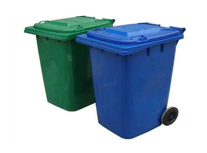 Advantages of Plastic Garbage Cans in Cleaning